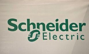 Schneider Electric a annoncé mardi un chiffre d'affaires en baisse de près de 4% au premier trimestre, inférieur aux attentes et plombé par l'Europe du Sud, mais la Bourse a salué le maintien des objectifs du groupe français de matériel électrique.