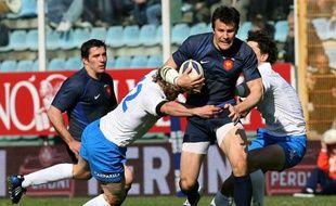 Damien Traille, ici contre l'Italie en 2009, fait son retour à l'ouverture du XV de France face aux Fidji