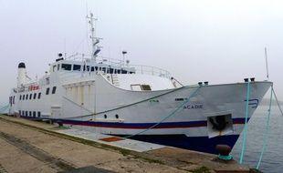 Le ferry est amarré au port de pêche de Lorient où aura lieu la vente ce mercredi midi.