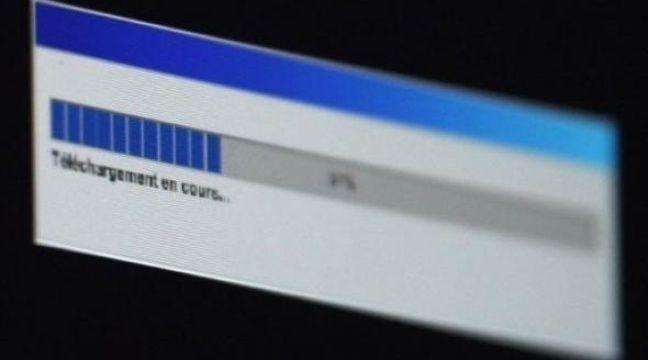 La contestation monte face au projet de loi réprimant le piratage des oeuvres culturelles sur internet: des acteurs de l'économie numérique ont réclamé un moratoire tandis que des associations de consommateurs et d'internautes protestent à la veille de son examen par les députés. – Joël Saget AFP/Archives