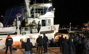 Un navire transportant des migrants à Lampedusa, le 19 mars 2019.