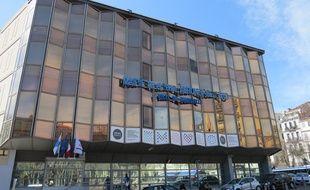 Marseille, le 10 mars 2015, un cinema va etre construit à la place de la mairie du 1/7, sur la Canebière.