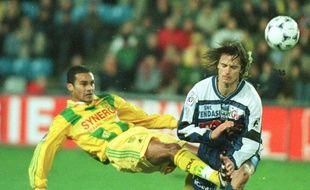 Jean-Marc Chanelet (à gauche) ici à l'œuvre lors d'un Nantes-Bastia, il y a 20 ans en première division.