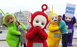 Les Télétubbies sont des adeptes de «Free Hugs», ces câlins gratuits. Même pour les adultes, oui.