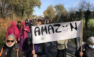 Une manifestation s'est déroulée à Montbert, sur le site choisi par Amazon, le 17 novembre 2020