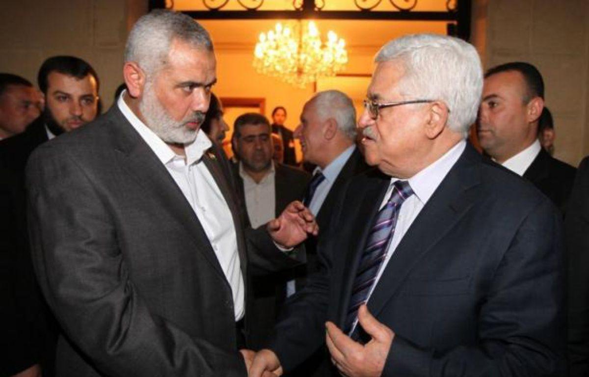Une réunion tripartite regroupera mercredi au Caire le président égyptien Mohamed Morsi, son homologue palestinien Mahmoud Abbas et le chef en exil du Hamas Khaled Mechaal, a déclaré à l'AFP le porte-parole de la présidence égyptienne Yasser Ali. – Mohamed Hams afp.com