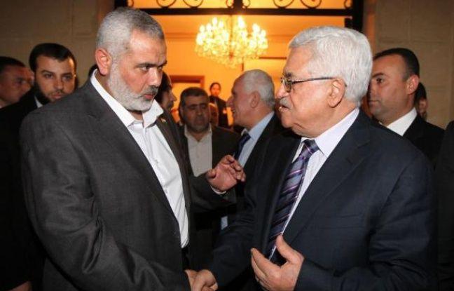 Une réunion tripartite regroupera mercredi au Caire le président égyptien Mohamed Morsi, son homologue palestinien Mahmoud Abbas et le chef en exil du Hamas Khaled Mechaal, a déclaré à l'AFP le porte-parole de la présidence égyptienne Yasser Ali.