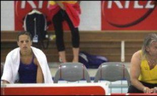 Laure Manaudou a réalisé son sixième chrono personnel sur 400 m nage libre (4:07.80) mais aussi montré qu'elle pouvait se rebeller face à son entraîneur Philippe Lucas, lors de la deuxième journée de la troisième étape de la Coupe de France de natation, samedi à Toulouse.