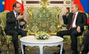 François Hollande et Vladimir Poutine ont affiché peu de gestes chaleureux.