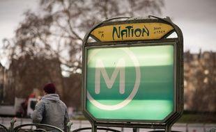 Une entrée de métro, place de la Nation à Paris. (Illustration)