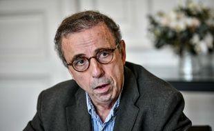 Pierre Hurmic dans son bureau de maire de Bordeaux, le 9 décembre 2020.