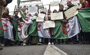 Les manifestations anti-gouvernement continue en Algérie, pour le 44e semaine consécutive.