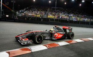 Le pilote britannique de Mc Laren, Lewis Hamilton, lors des essais du Grand Prix de Singapour, le 26 septembre 2009.