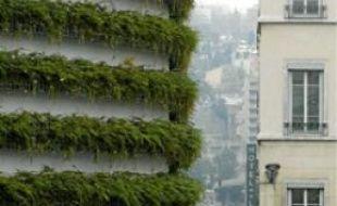 Le mur végétal est installé depuis 2007 sur le parking couvert.