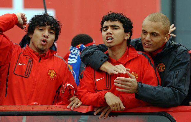 Wesley Brown est-il certain de quel partenaire il enlace, entre Fabio et Rafael, lors de cette fête de Manchester United pour le titre en Premier League, en mai 2011?