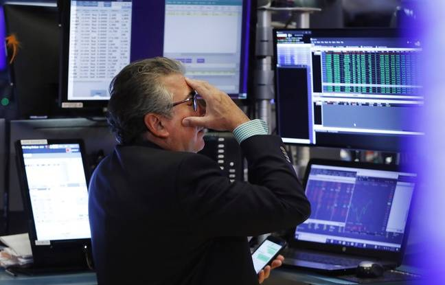 Guerre commerciale: Pékin laisse chuter le yuan en réponse à Trump, les marchés plongent
