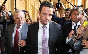 Jérôme Kerviel arrive à l'audience avec son avocat Me Olivier Metzner (à g.).