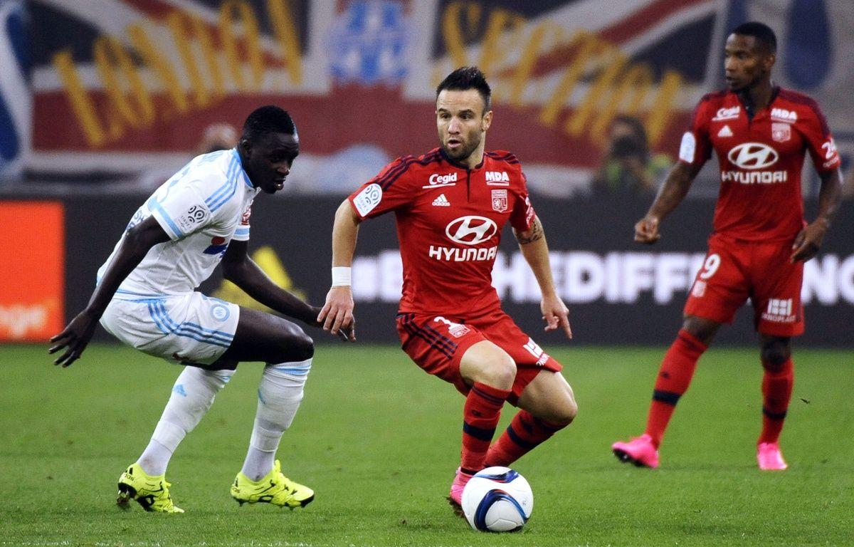 Mathieu Valbuena (au centre), le 20 septembre 2015, à Marseille. – FRANCK PENNANT/AFP