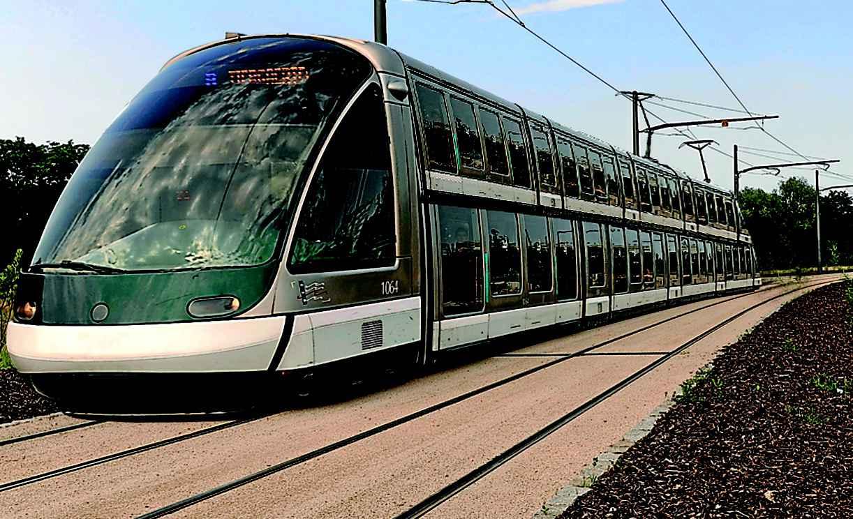 strasbourg la cts va mettre sur rail des trams deux tages pour aller kehl. Black Bedroom Furniture Sets. Home Design Ideas