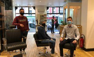 De gauche à droite, Johan Poudroux, Rod Carbon, Guillaume Cochet et au fond, Gaël Stiel, sont les quatre cofondateurs de l'espace de coworking «Markus. Paris» consacré à la coiffure, à Lille.