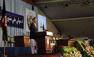 Le président afghan Hamid Karzai lors de son discours d'ouverture de la «Jirga consultative nationale de  paix», à Kaboul, le 2 juin 2010.