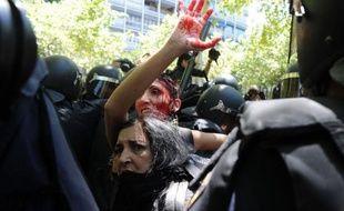 Des affrontements ont éclaté mercredi à Madrid entre mineurs et policiers, faisant au moins deux blessés selon une journaliste de l'AFP, lorsqu'un groupe de manifestants a jeté des pierres et des bouteilles en verre contre les policiers anti-émeutes, qui ont riposté en chargeant.