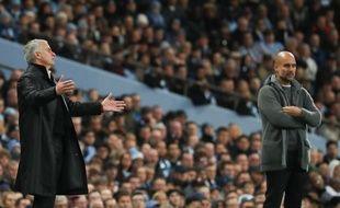 José Mourinho et Pep Guardiola lors du derby de Manchester, le 11 novembre 2018.