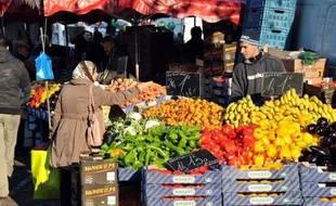 Les prix à la consommation en France ont affiché pour l'ensemble de l'année dernière une hausse anémique, de 0,7% entre décembre 2012 et décembre 2013, soit le même rythme annuel qu'en novembre, tombant même à +0,6% hors tabac, a annoncé l'Insee mardi.