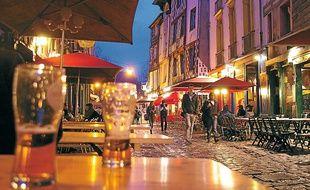 Célèbre pour ses bars, la rue de la Soif veut retrouver son côté festif.