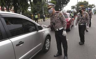 Des policiers à Jakarta (image d'illustration).