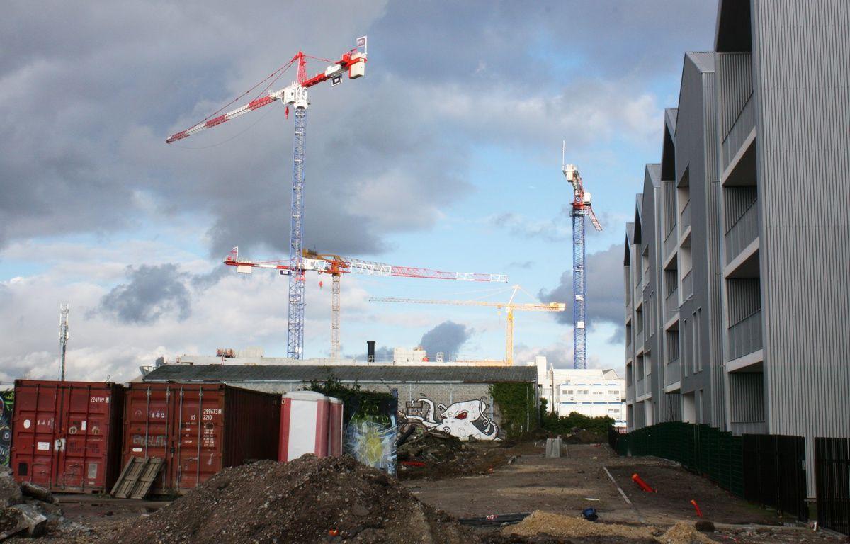 Le 18 janvier 2015, travaux de construction au quartier des Bassins à Flot –