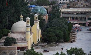 Selon des organisations de défense des droits humains, plus d'un million de musulmans, principalement de l'ethnie turcophone ouïghoure, sont détenus dans des camps de rééducation politique au Xinjiang.