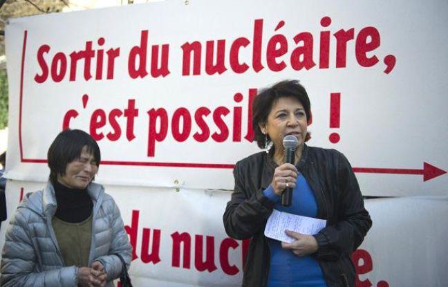 L'eurodéputée Corinne Lepage lors d'une manifestation contre le nucléaire, en mars 2011 à Paris.