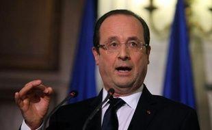 """Le président François Hollande a réaffirmé à l'ouverture du Conseil des ministres mercredi que """"le cap reste le même, l'équilibre budgétaire en 2017"""" malgré la """"croissance faible"""", a rapporté la porte-parole du gouvernement Najat Vallaud-Belkacem."""