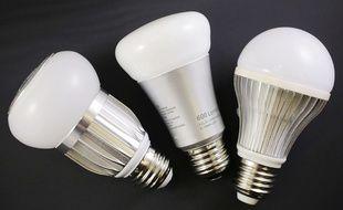 Le CHU de Toulouse a un stock de 85.000 ampoules LED à vis à distribuer.