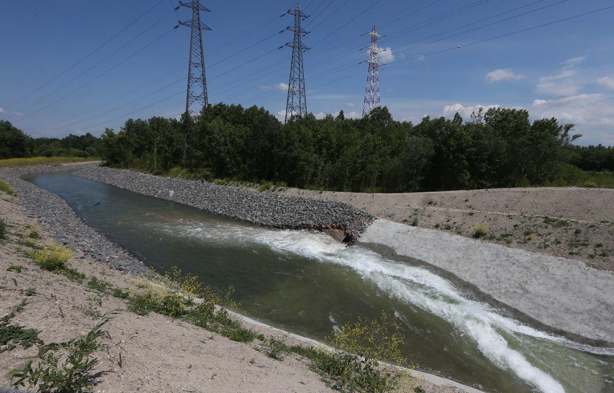 Sur l'île du Rohrschollen, l'ouvrage de prise d'eau permet d'alimenter le réseau hydrographique du Bauerngrundwasser. – Gilles Varela