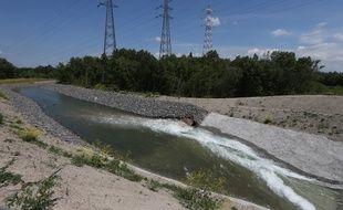 Sur l'île du Rohrschollen, l'ouvrage de prise d'eau permet d'alimenter le réseau hydrographique du Bauerngrundwasser.