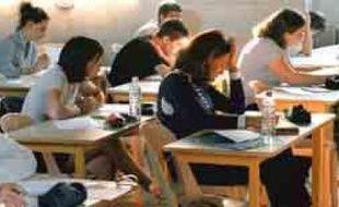 Malgré le succès du parler ch'ti, notamment au cinéma, l'Education nationale refuse d'introduire la langue picarde au bac.