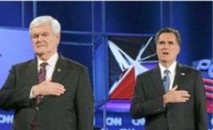 Newt Gingrich et Mitt Romney (à dr.).