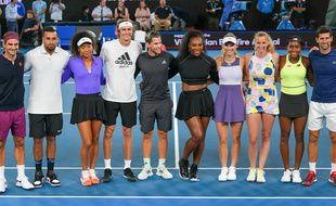 Plusieurs joueurs et joueuses prennent la pose lors de l'Open d'Australie, le 15 janvier 2020 à Melbourne.