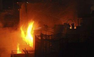 Un pompier a été tué et deux blessés dans l'incendie d'un immeuble d'Harlem, le 22 mars 2018.