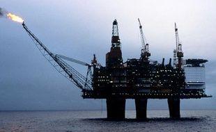 Plateforme de forage pétrolière en mer du Nord.