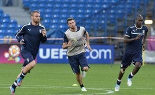 """L'Italie a impérativement besoin d'une victoire contre l'Eire de Giovanni Trapattoni, lundi à Poznan, pour aller en quarts de finale de l'Euro-2012, avant de s'inquiéter d'une entente (le fameux """"biscotto"""") entre Espagne et Croatie qui l'éliminerait."""