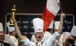 Le chef Français Thibaut Ruggieri, 32 ans, a remporté mercredi soir à Lyon la 14e édition du Bocuse d'Or, devant le Danemark (Bocuse d'Argent) et le Japon (Bocuse de Bronze).