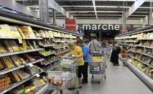 Les dépenses de consommation des ménages français sont restées stables en octobre sur un mois, après une baisse de 0,2% en septembre, annonce mercredi l'Institut national de la statistique et des études économiques.