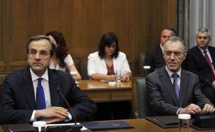 La Grèce se retrouve dans la confusion avec son premier ministre, Antonis Samaras quasi hors d'état de gouverner et le ministre des finances ayant renoncé à ses fonctions, tous deux pour raisons de santé.