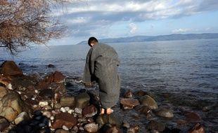 Des migrants sur l'île de Lesbos après leur traversée de la mer Egée depuis la Turquie, le 6 mars 2020.