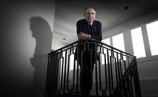 François Bayrou, président du MoDem, aurait selon son entourage demandé à Robert Rochefort de démissionner de sa vice-présidence du parti suite à son interpellation pour exhibition sexuelle.