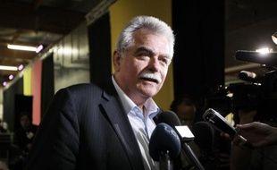 Les dix députés du Front de gauche (FG) et cinq élus d'outre-mer ont constitué un groupe parlementaire, qui sera comme prévu présidé par André Chassaigne, député PCF du Puy-de-Dôme, a annoncé lundi le nouveau groupe dans un communiqué.