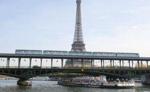 Des barques dans les tunnels inondés du métro... Pour éviter le scénario catastrophique de la crue de la Seine en 1910, la RATP s'équipe afin de préserver le réseau et d'empêcher que les millions d'usagers qui empruntent ses lignes chaque jour soient privés de transport.